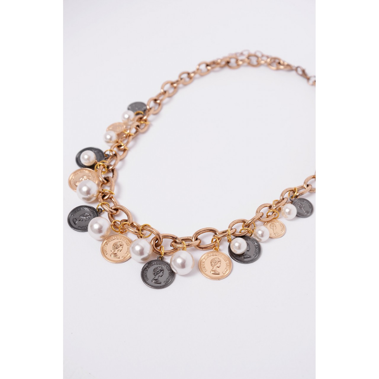 Chains necklace with coins & pearls