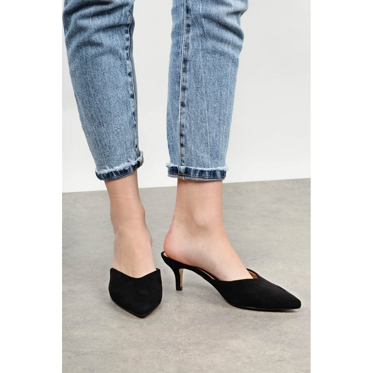 Outright mid heel shoe