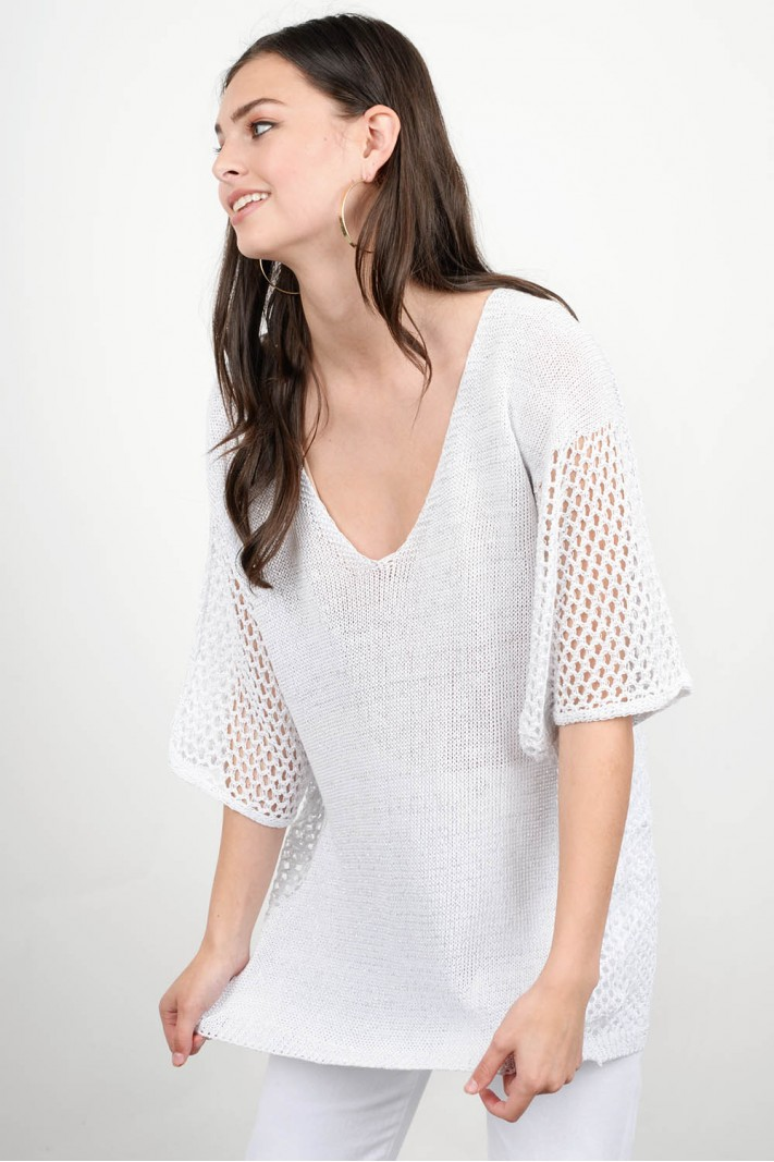 Perforated knitted blouse
