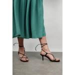 Tie-up mid heel shoe
