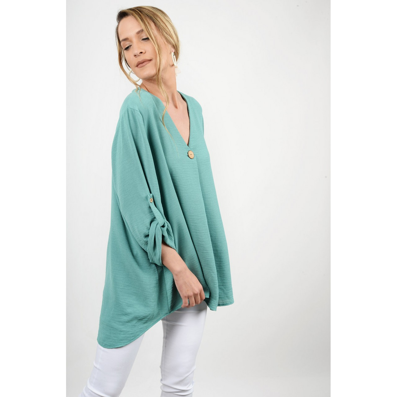 Oversized shirt with buttons