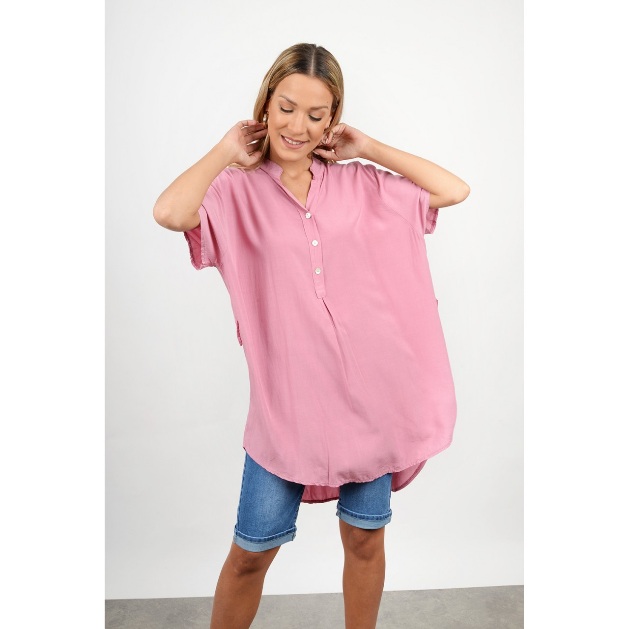 Oversized asymmetrical shirt with belt