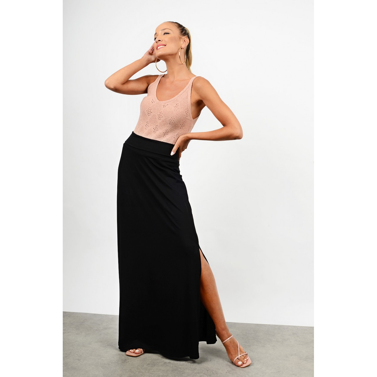 Maxi skirt with side opening