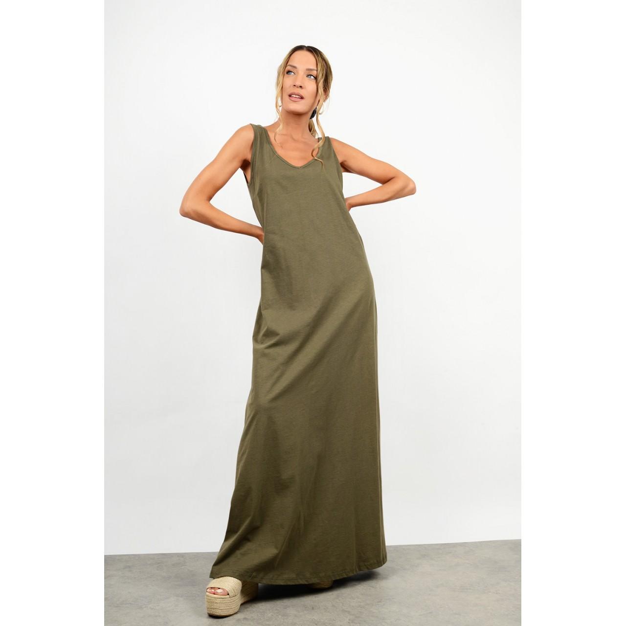 Maxi dress with v
