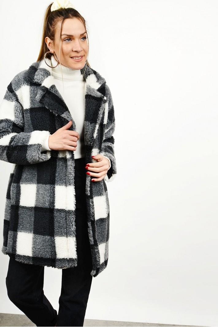 Bear checkered coat with pockets