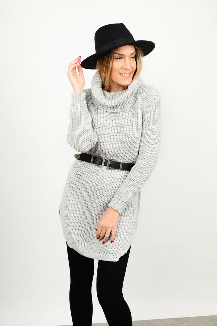 Knitted blouse/dress with turtle neck