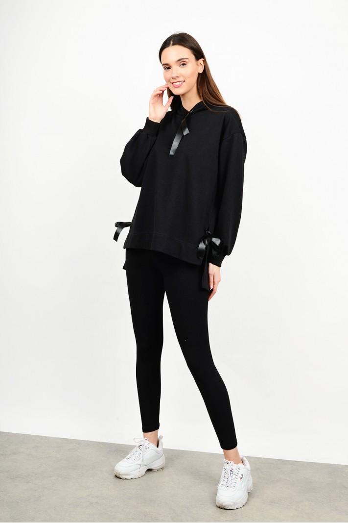 Oversized hooded sweatshirt blouse