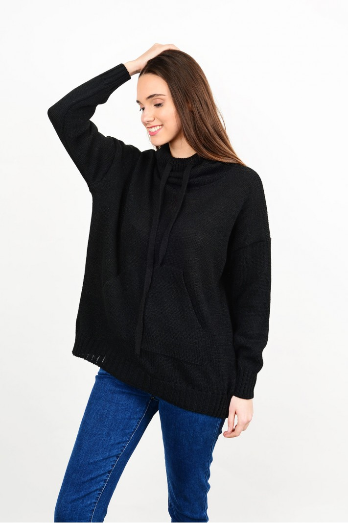 Oversized sweater with pockets
