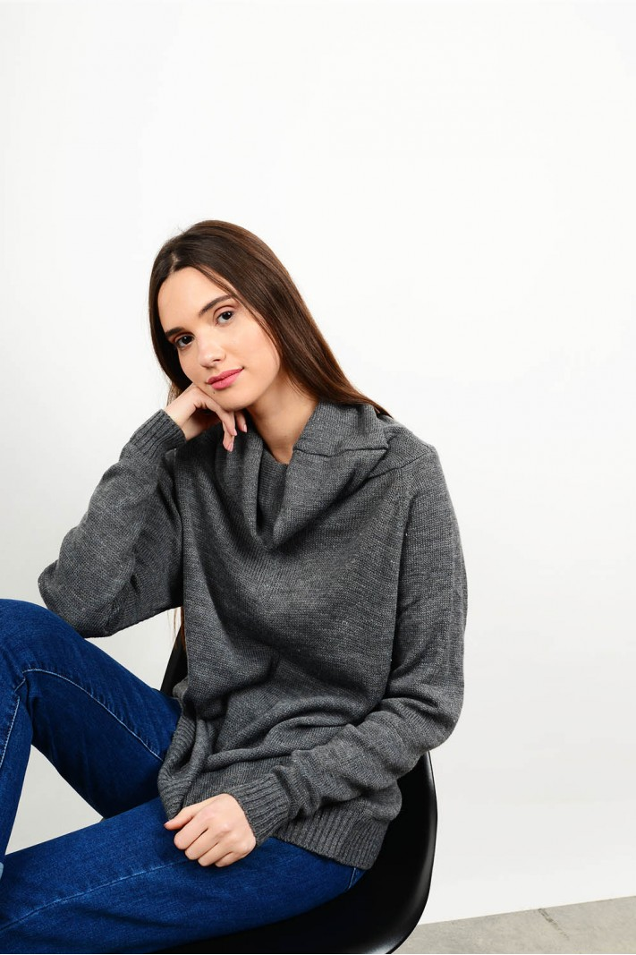 Oversized knitted blouse with turtle neck