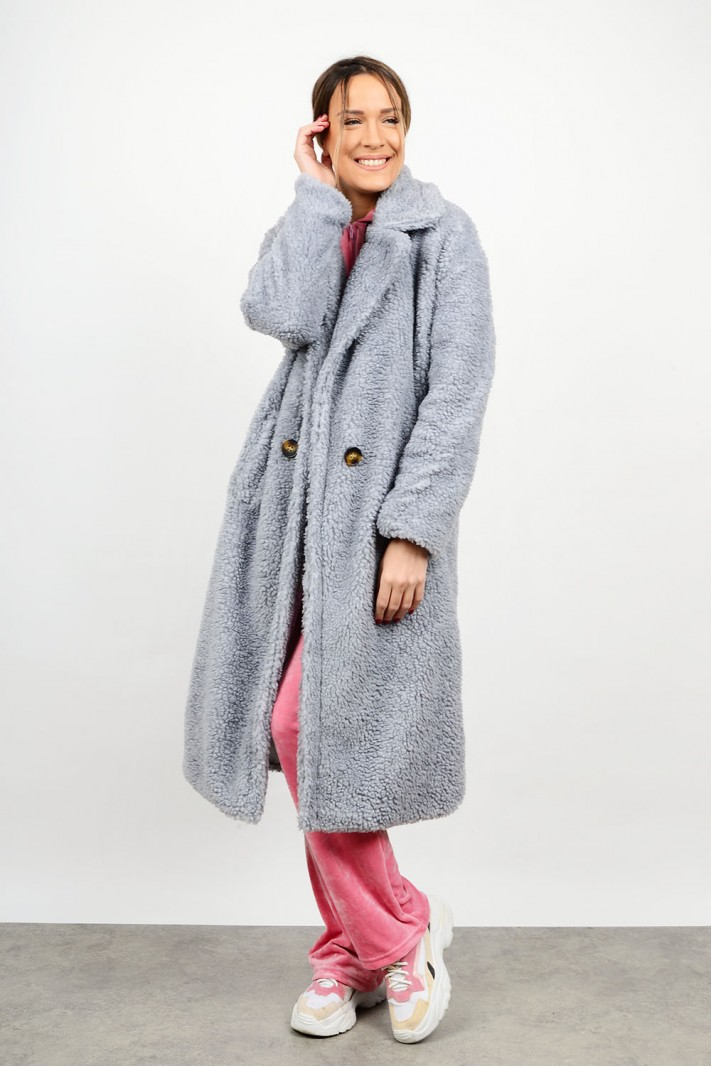 Bear coat with pockets