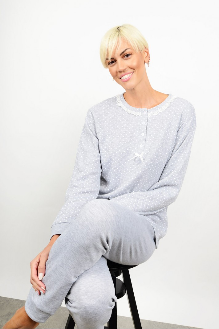 Set pyjamas with polka dotted pattern