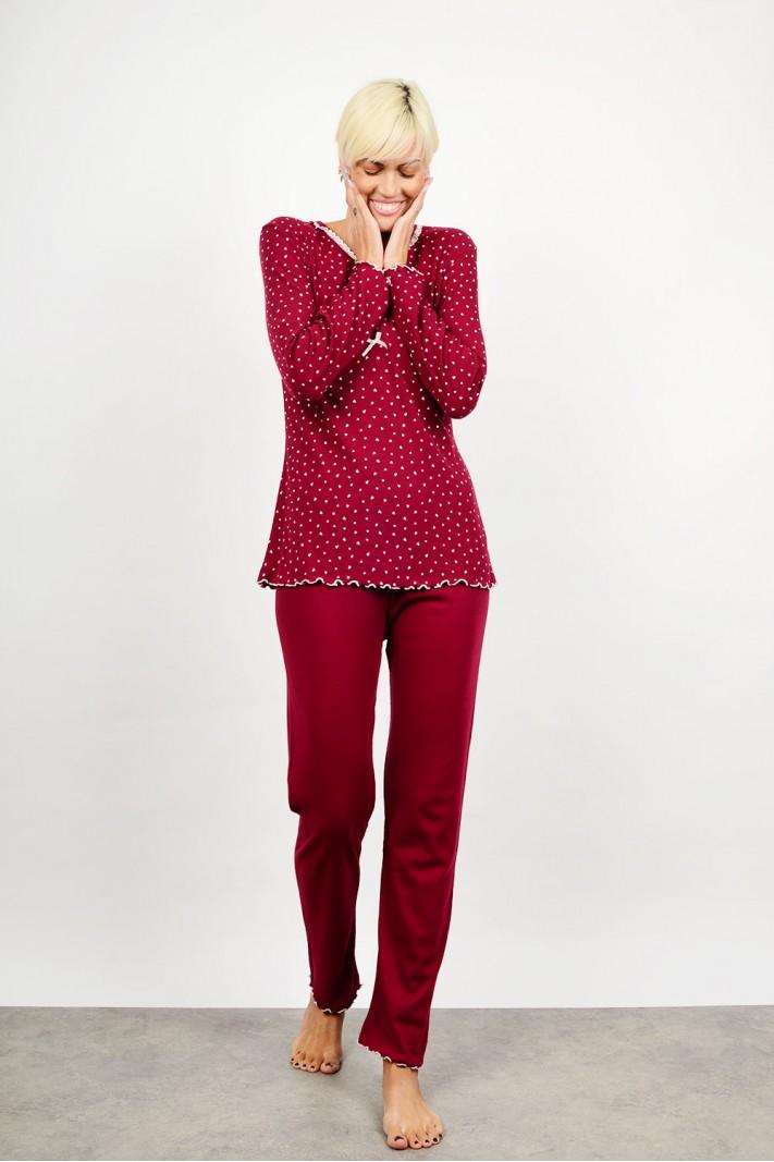 Set pyjamas with hearts pattern