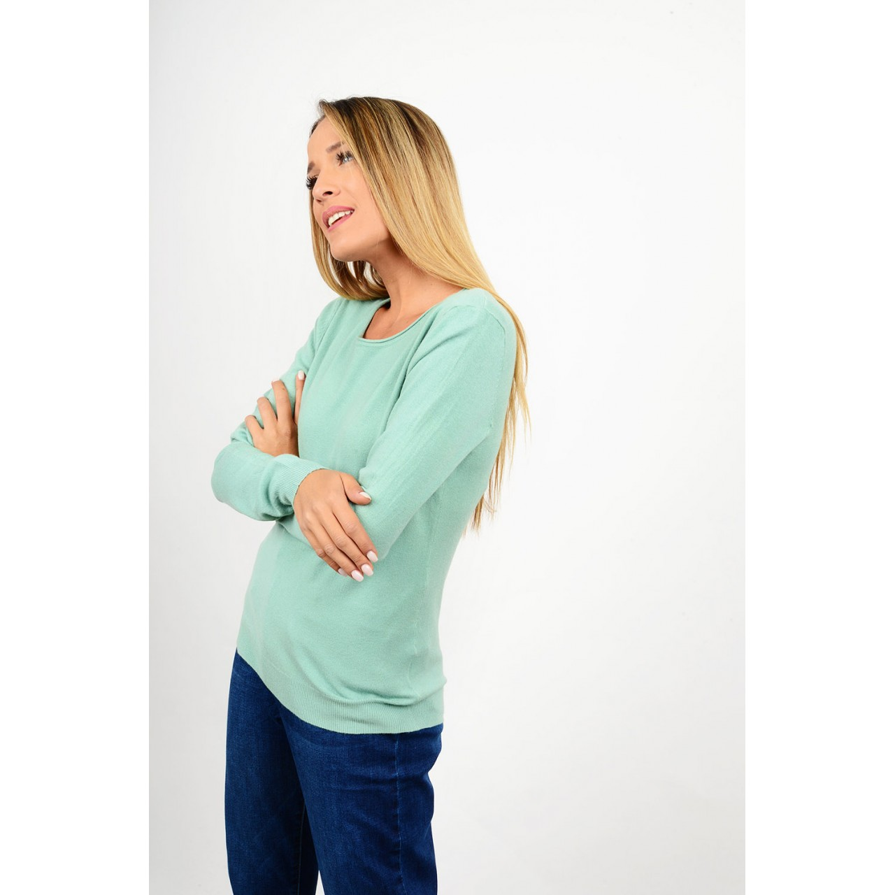 Basic knitted blouse round neck