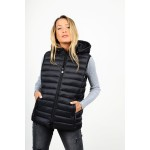 Sleevless hooded jacket
