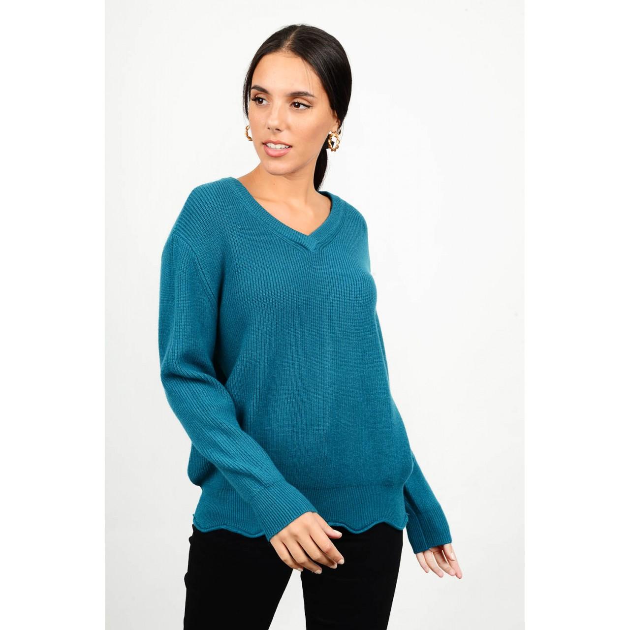 Oversized knit with v neck