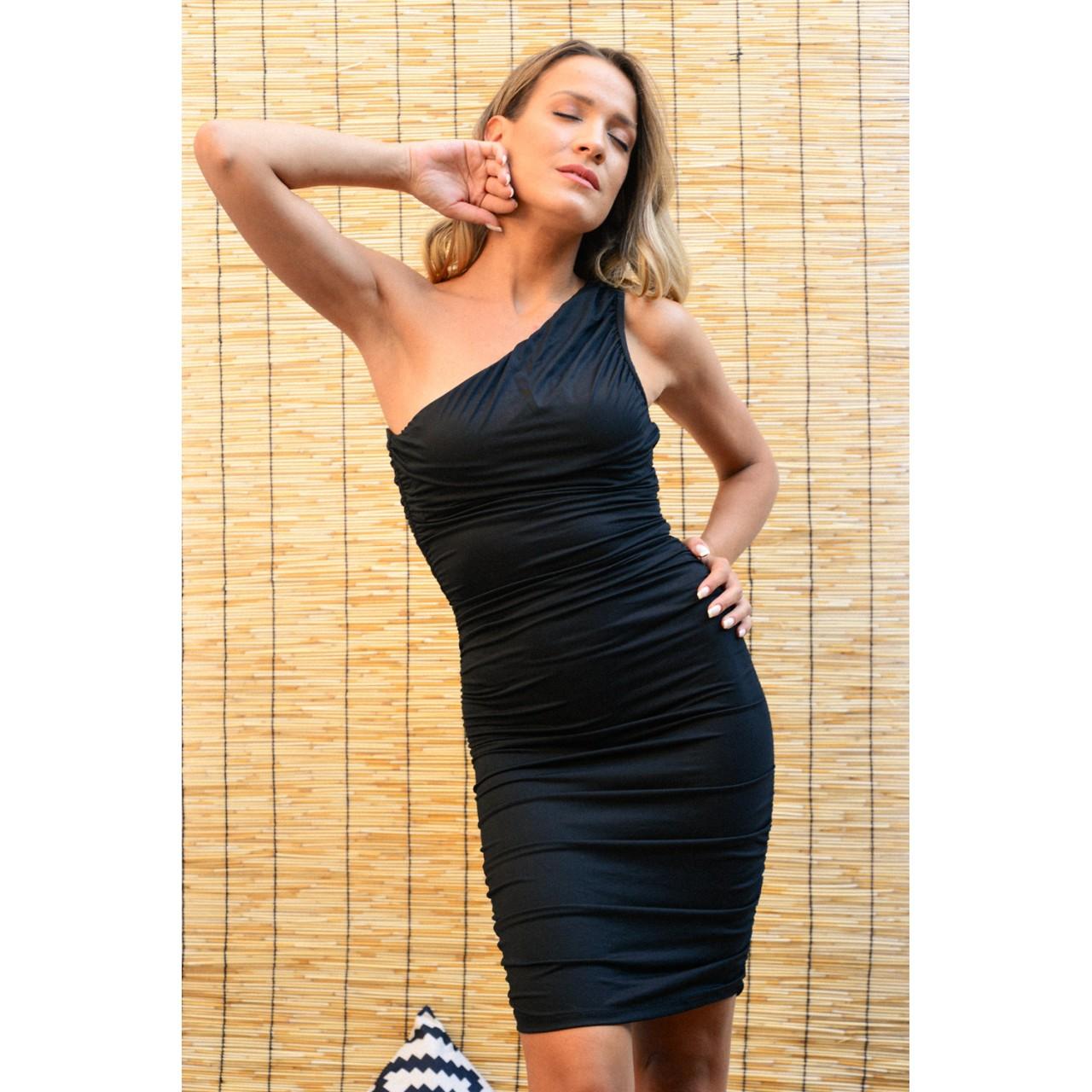 908.Φόρεμα κοντό με έναν ώμο και σούρες