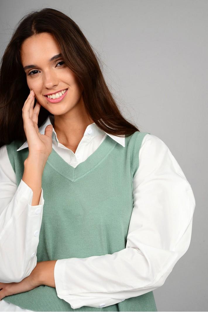 Πλεκτό με μανίκια και τελείωμα πουκαμίσου ασύμμετρο μέντα