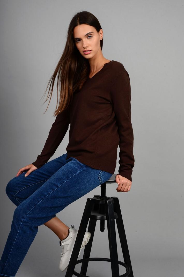 Oversized μπλούζα πλεκτή basic με v λαιμό καφέ