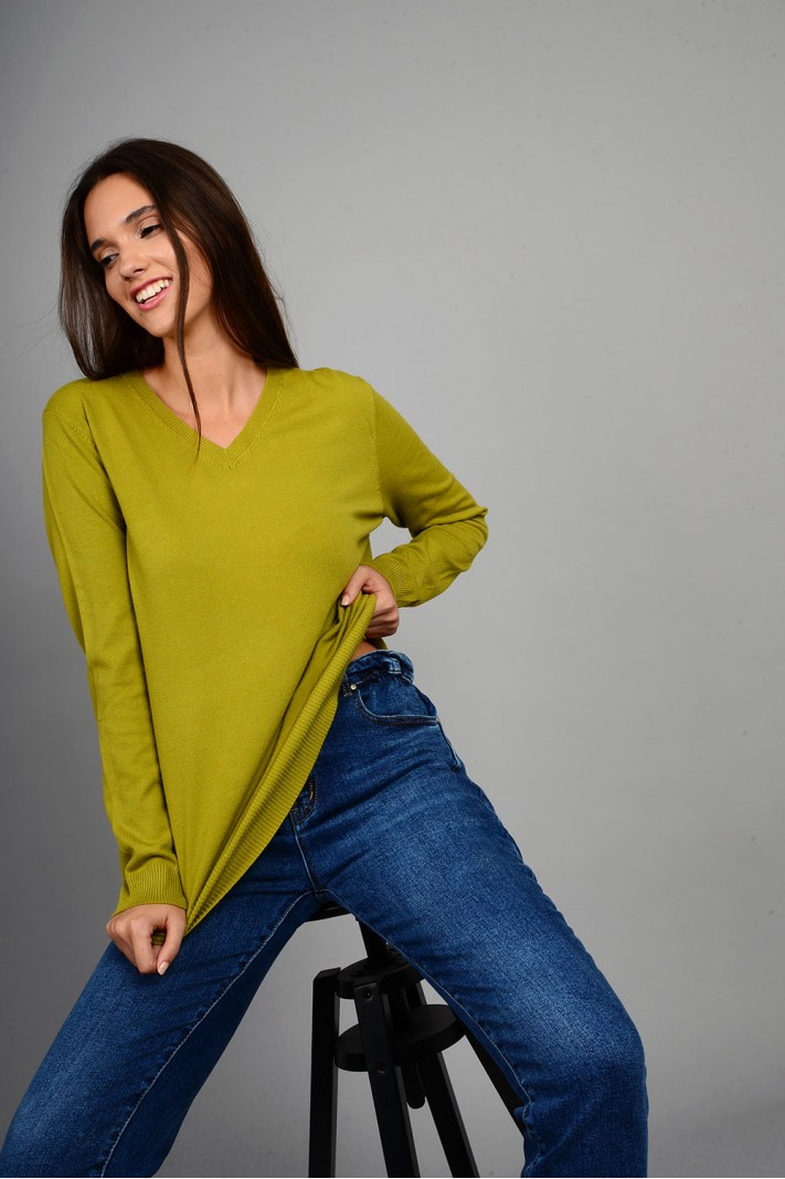 Oversized μπλούζα πλεκτή basic με v λαιμό πράσινο ανοιχτό