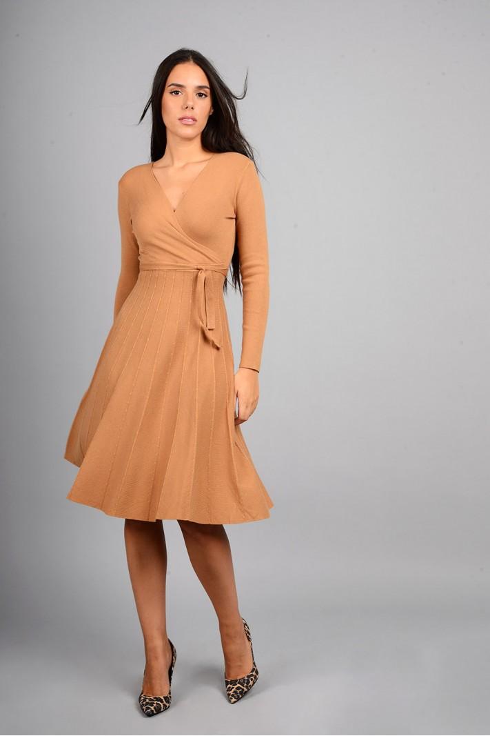 Φόρεμα μίντι πλεκτό σε άλφα γραμμή κάμελ