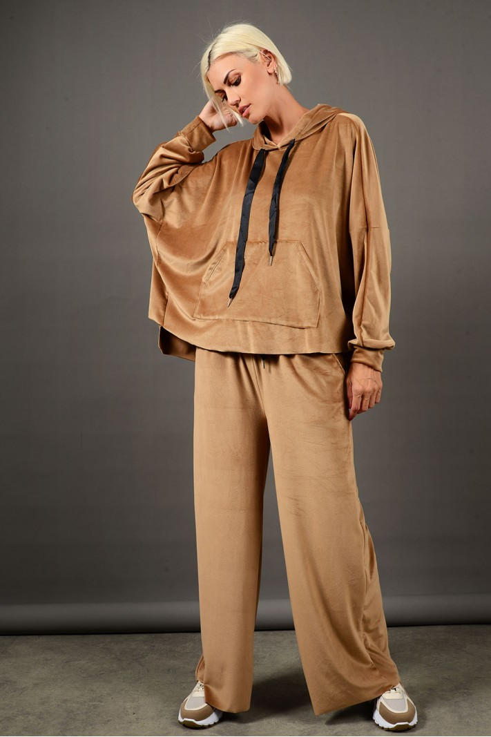 Oversized σετ φόρμα βελουτέ μπλούζα και παντελόνι κάμελ