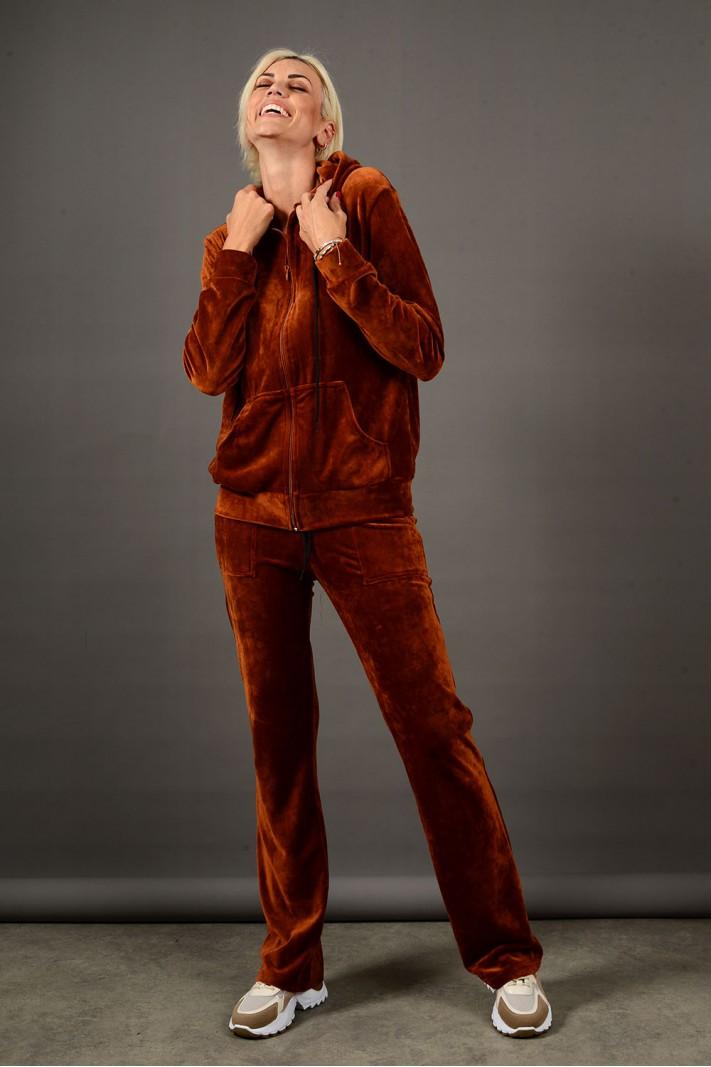 Σετ φόρμα βελουτέ ζακέτα με κουκούλα και παντελόνι με τσέπες κάμελ