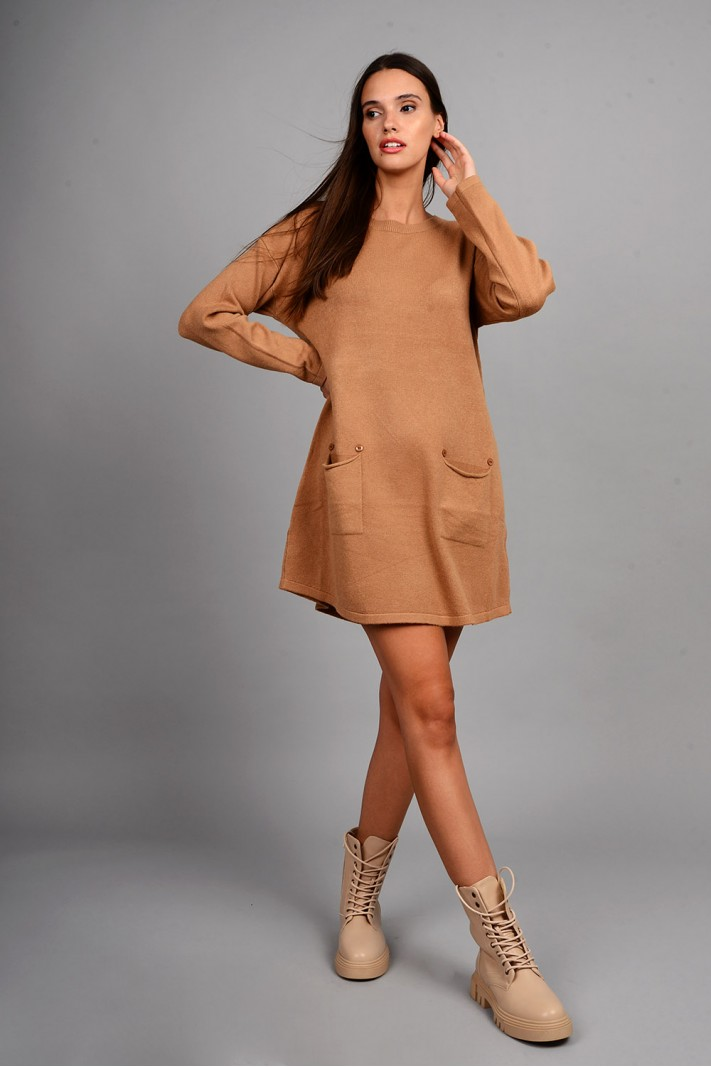 Oversized μπλούζα/φόρεμα πλεκτό με κουμπιά στις τσέπες κάμελ