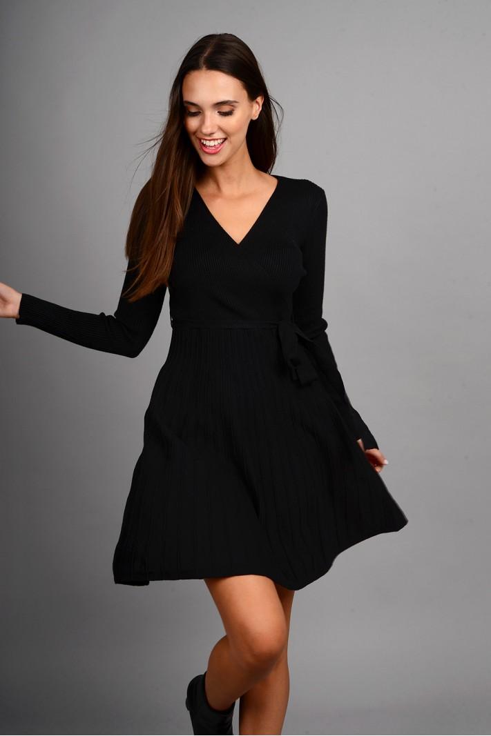 Φόρεμα μίντι πλεκτό σε άλφα γραμμή με ζωνάκι μαύρο