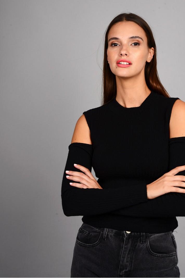 Μπλούζα rib πλεκτή με όρθιο γιακά και άνοιγμα στους ώμους μαύρη